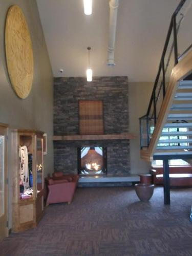 Salish Cliff Club House  4